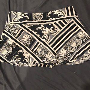 Mini black/grey pattern skort